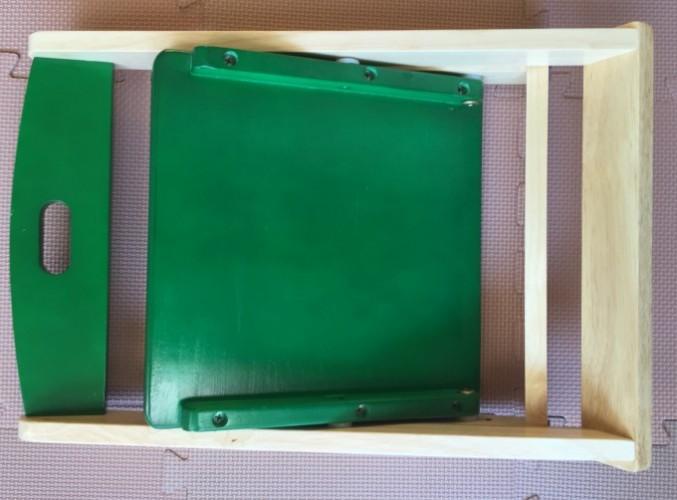 折りたたみ式木のイス  (1)