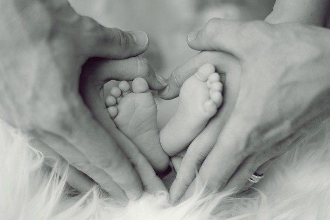 新生児抱き方(3)